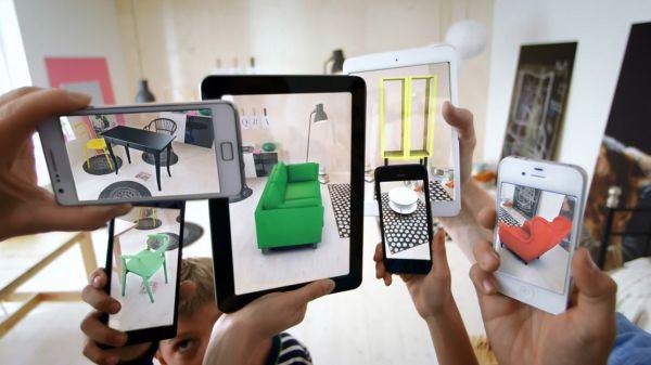 Thực tế ảo tăng cường (AR) là cụm từ  mô tả trạng thái vật lý xung quanh con người và được chèn thêm các chi tiết ảo nhờ vào smartphone, máy tính