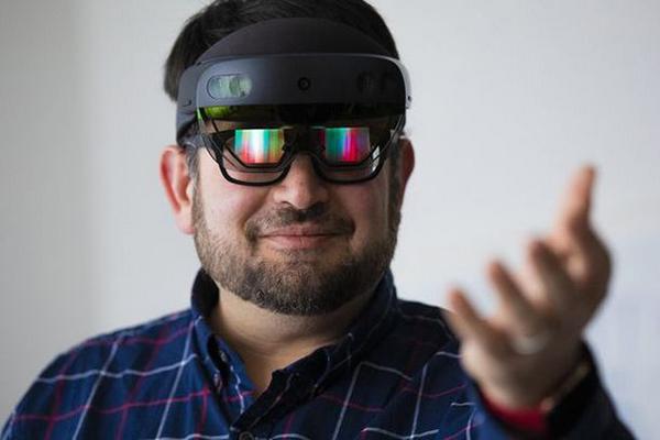 HoloLens 2 sẽ có giá 3.500 USD
