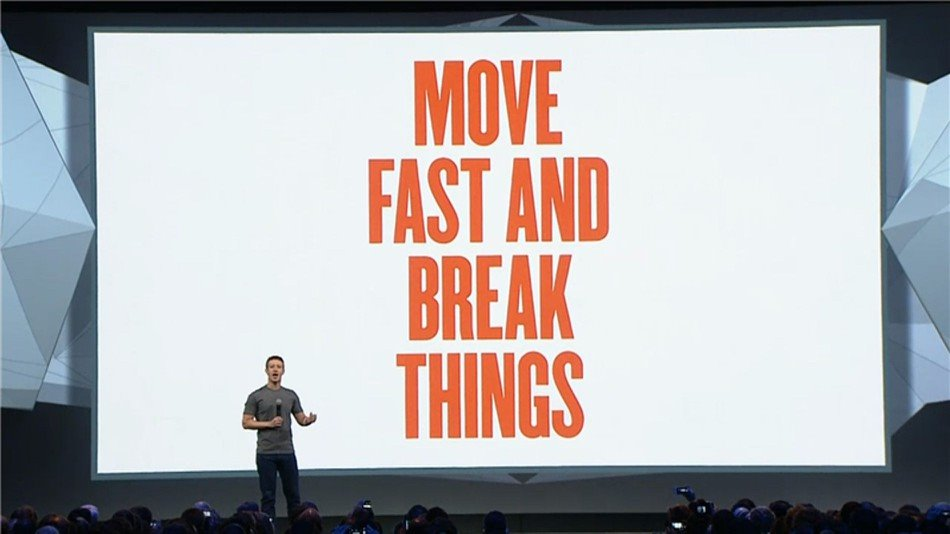 Mark Zuckerberg với slogan