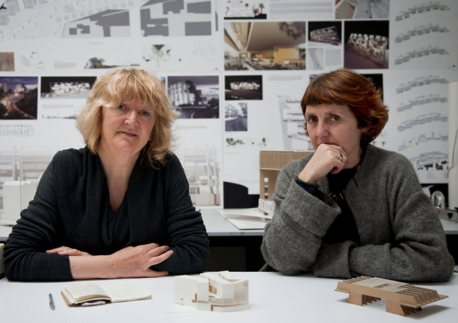 2 nữ kiến trúc sư Ireland Yvonne Farrell và Shelley McNamara