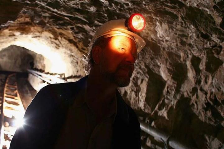 hầm vàng