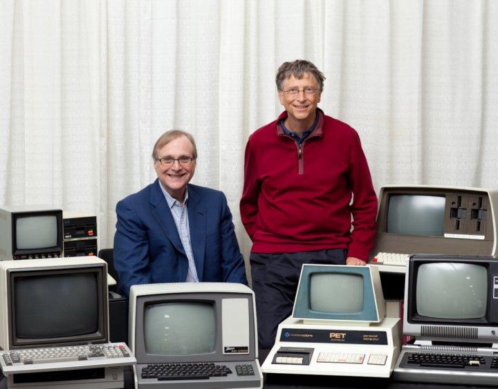 Năm 1975, Bill Gates cùng với Paul Allen thành lập hãng phần mềm lớn nhất thế giới Microsoft