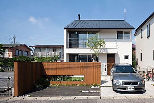 Ở Nhật, ra khỏi trung tâm thành phố thì hầu hết người dân đều sở hữu nhà riêng. Ảnh: Sohu.