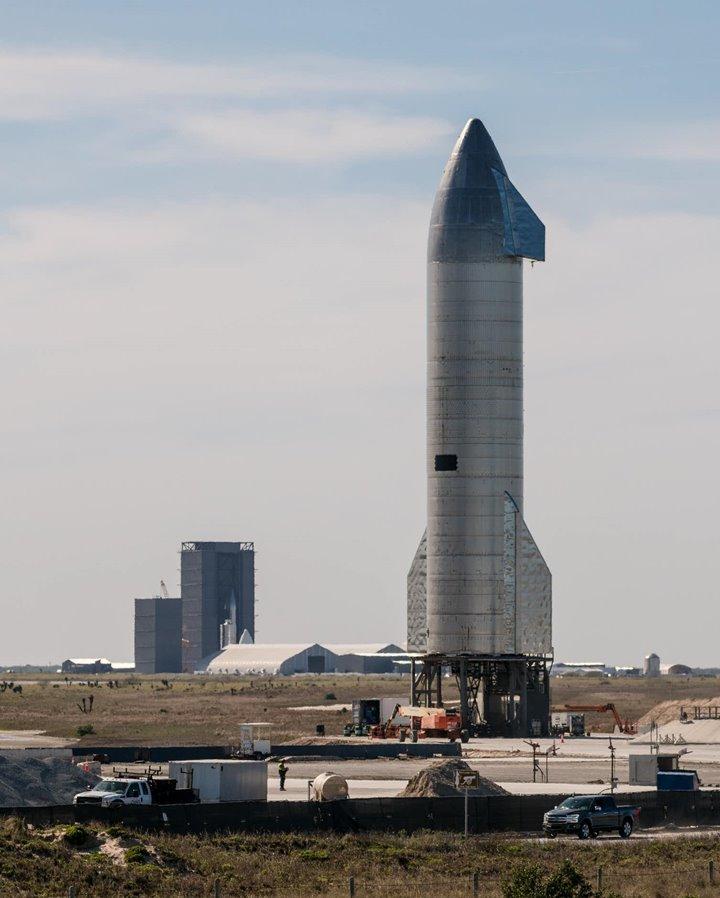 Elon Musk có kế hoạch sử dụng SpaceX Starship để đưa con người lên Mặt trăng và sau đó đến Sao Hỏa (ảnh: Jaredkrahn)