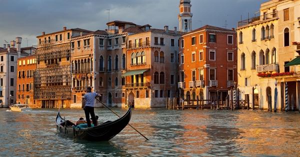 Venice, Gondola on Grand Canal, Ý
