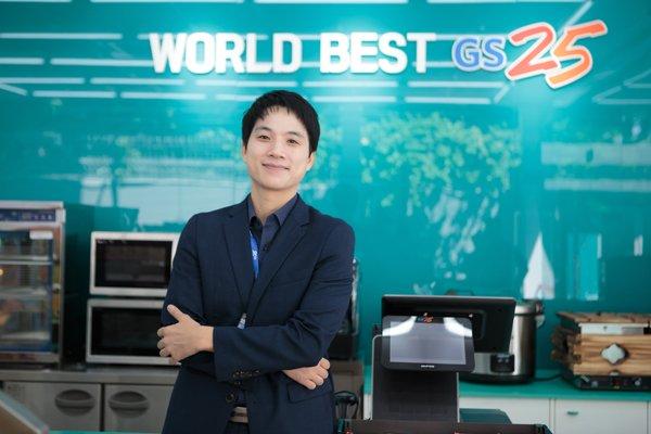 Ông Jun Ju Young, Giám đốc điều hành của Công ty TNHH GS25 Việt Nam là người của Tập đoàn GS Retail. Ảnh: GS25 Việt Nam cung cấp.