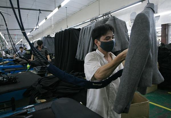Sau khi có EVFTA, mặt hàng dệt may tăng từ mức 7,33 triệu USD lên 19,75 triệu USD.Ảnh: Qúy Hòa