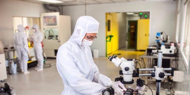 Nguồn nhân lực chất lượng cao sẽ góp phần thu hút hoạt động R&D của doanh nghiệp Nhật Bản. Ảnh:Vietnam Japan University