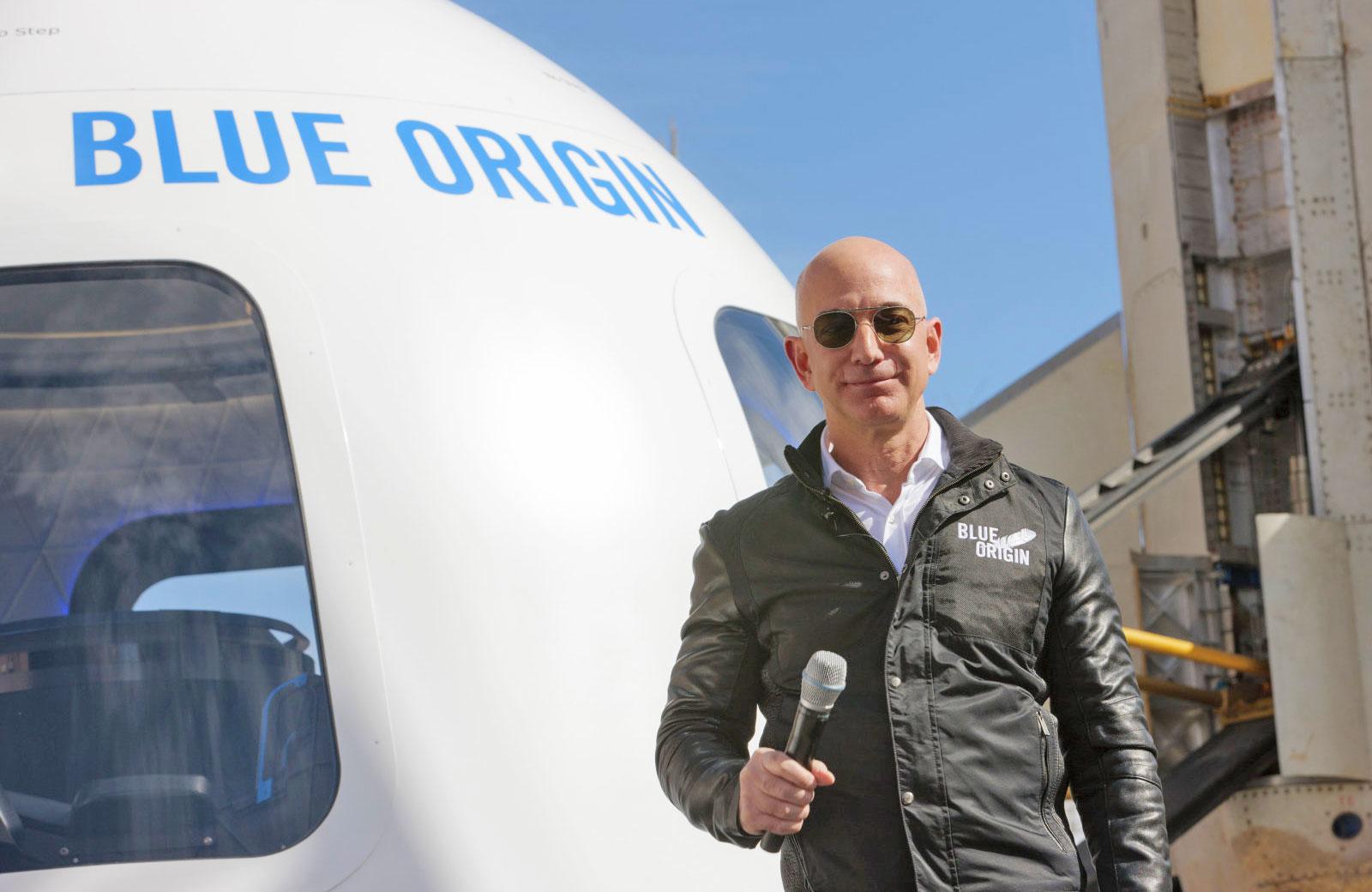 Tỷ phú Jeff Bezos cũng đang quan tâm đến mảng du lịch vũ trụ