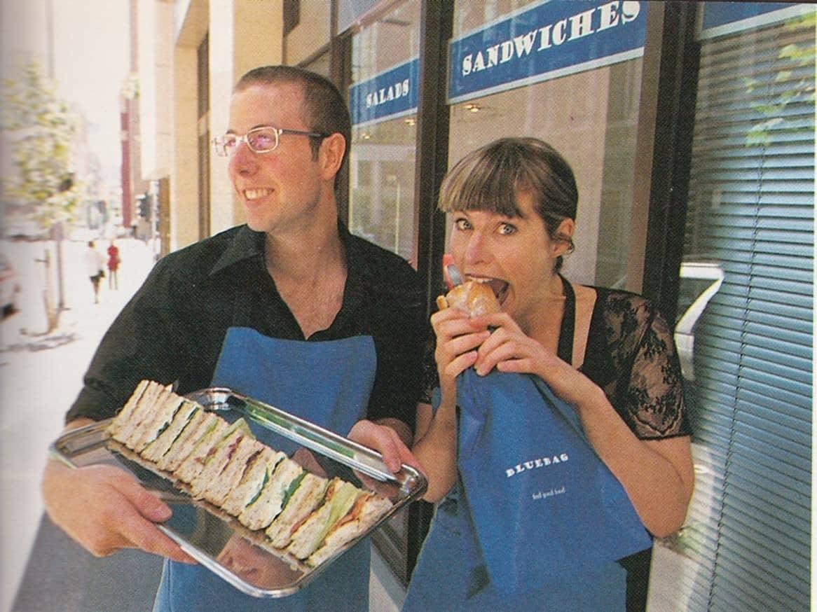 Abigail và em trai từng vận hành một chuỗi cửa hàng cà phê nhỏ trong 10 năm. Ảnh: BBC