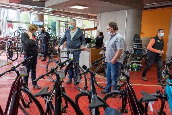 cửa hàng xe đạp