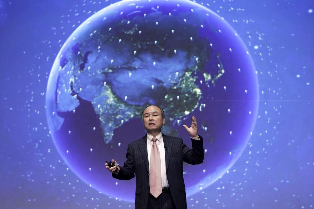 """Tỷ phú đầu tư Nhật đối mặt thảm họa WeWork thứ hai với """"vua khách sạn"""""""