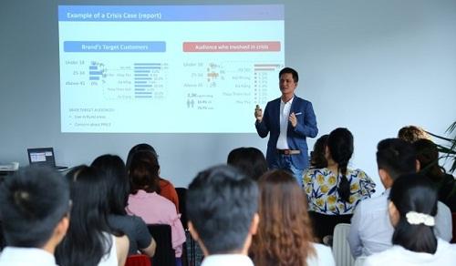 Ông Nguyễn Hải Triều chia sẻ về bài học khi xử lý khủng hoảng truyền thông. Ảnh: PRNewswire cung cấp