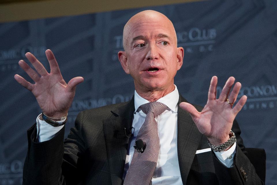 Jeff Bezos, nhà sáng lập và lãnh đạo Amazon