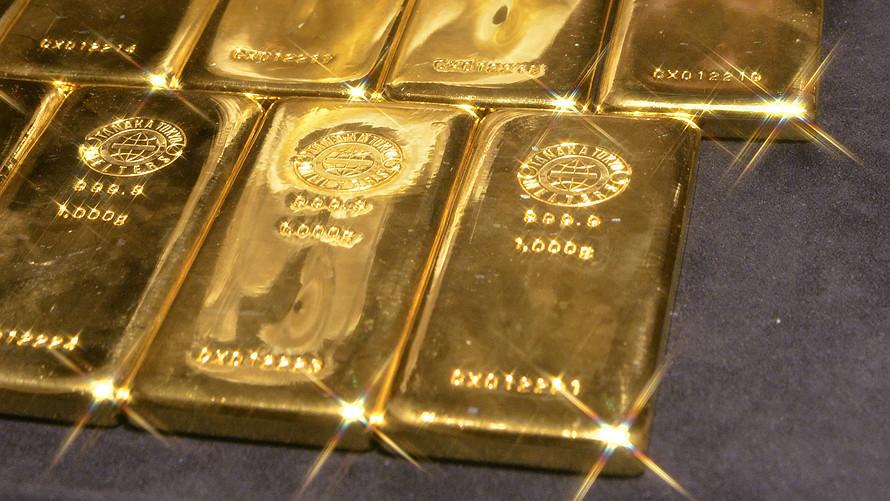 Nỗi sợ cúm corona đẩy giá vàng vọt qua mốc 1.600USD/ounce, cao nhất 7 năm