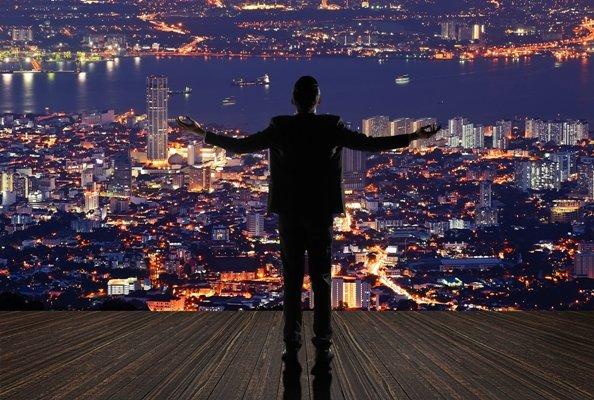 Nhiều doanh nhân chọn kênh đầu tư hiệu quả để hạn chế rủi ro và dành thời gian cho việc quản lý kinh doanh.