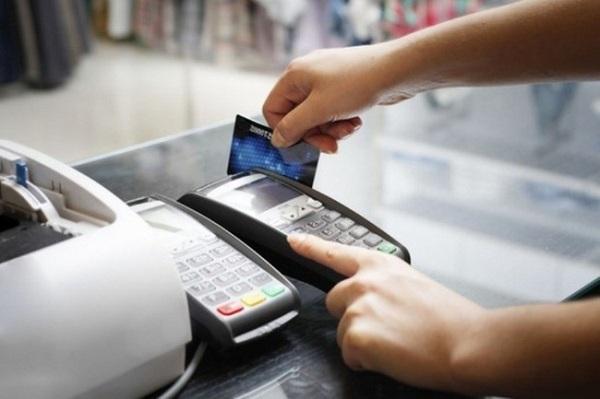 Hiện nay, các địa phương đã và đang tích cực triển khai các giải pháp áp dụng thanh toán không dùng tiền mặt, nhất là hai thành phố lớn là Hà Nội và Thành phố Hồ Chí Minh.
