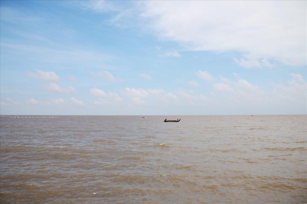 Biển nước mây trời đấy mũi Cà Mau.