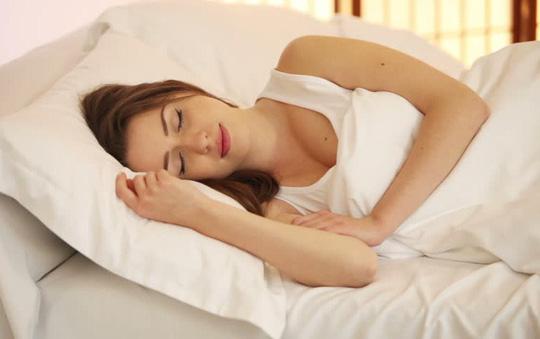 Hết mất ngủ sau 1 tuần nhờ động tác đơn giản đến khó tin