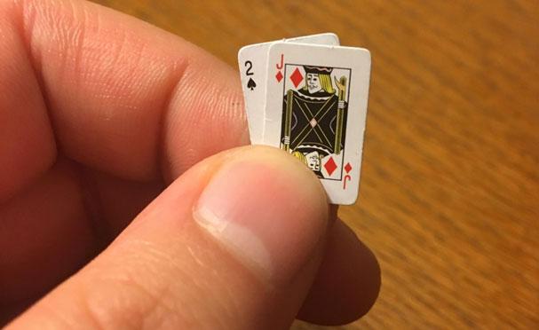 Ở Thái Lan, nếu bạn mang theo trên 120 lá bài, bạn có thể bị…tống tù.