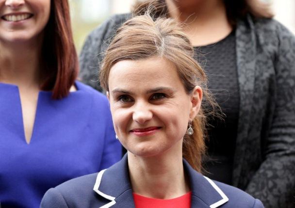 Nữ nghị sĩ Công đảng Jo Cox, người từng bị sát hại năm 2016 trong chiến dịch vận động chống Brexit, là người hoạt động tích cực nhất trong chiến dịch kêu gọi chính phủ Anh giải quyết tình trạng đơn độc của nhiều người dân Anh - Ảnh: REUTERS
