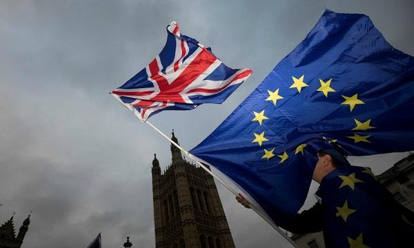 Brexit cứng đang tiếp tục gây ra những thiệt hại nghiêm trọng đến nền kinh tế Anh và EU