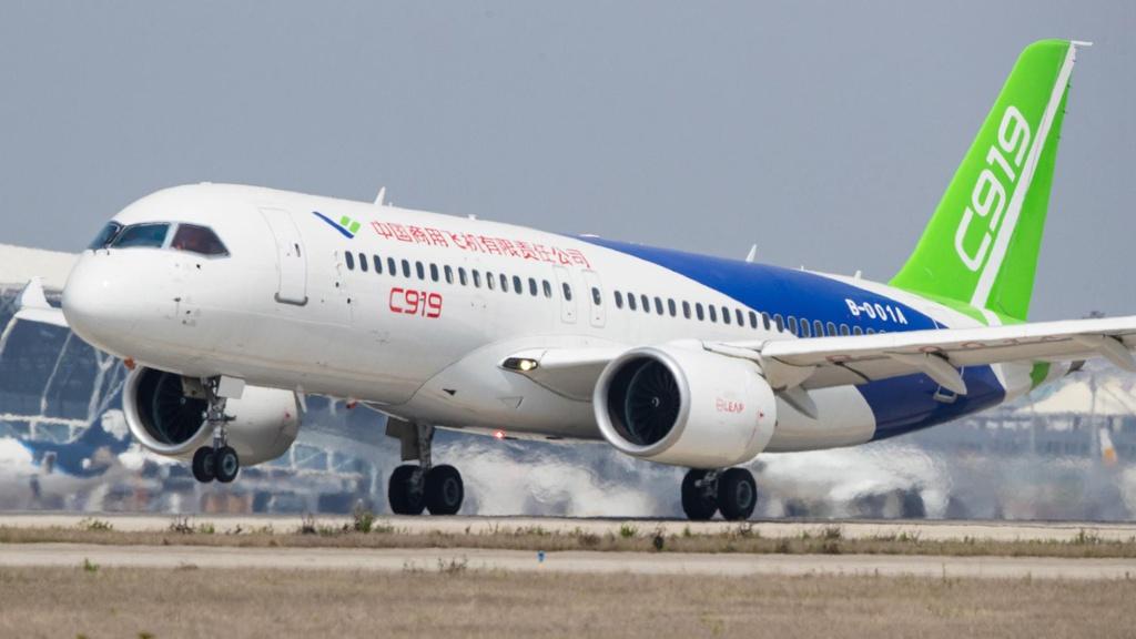 """COMAC C919, dòng máy bay thân hẹp """"Made in China"""" đã có các chuyến bay thử nghiệm và dự kiến sẽ đi vào hoạt động vào năm tới."""