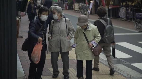 Nền kinh tế Nhật  phải đối mặt với tình trạng thiếu lao động do dân số già cỗi và thu hẹp. Nguồn ảnh: sbs.com.au
