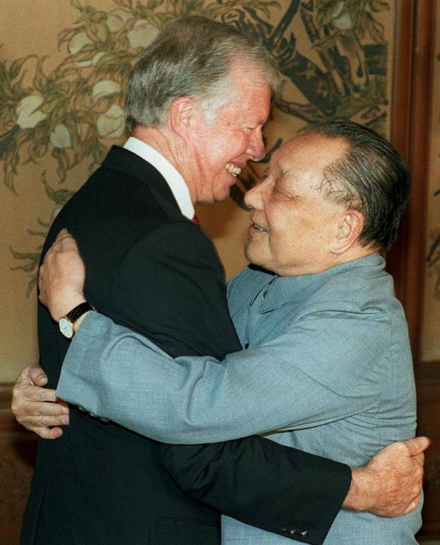Tổng thống Hoa Kỳ Jimmy Carter và cựu lãnh đạo Trung Quốc Đặng Tiểu Bình