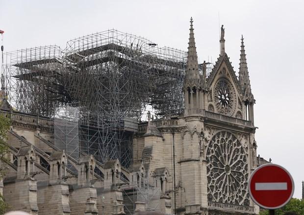 nhà thờ bị phá hủy
