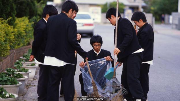 Học sinh tại Nhật Bản có ý thức phân loại rác thải từ rất sớm
