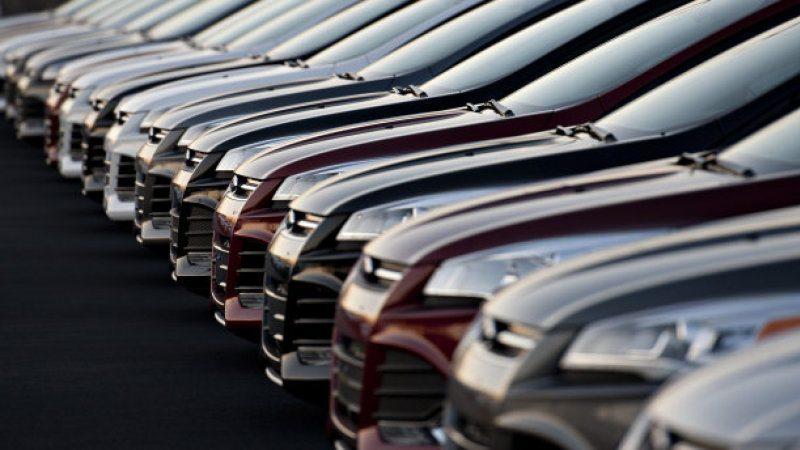 Nguồn cung lớn nên giá xe khó giảm