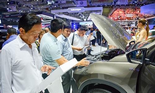 Sức mua ôtô tại Việt Nam chưa kịp hồi phục đã tiếp tục sụt giảm
