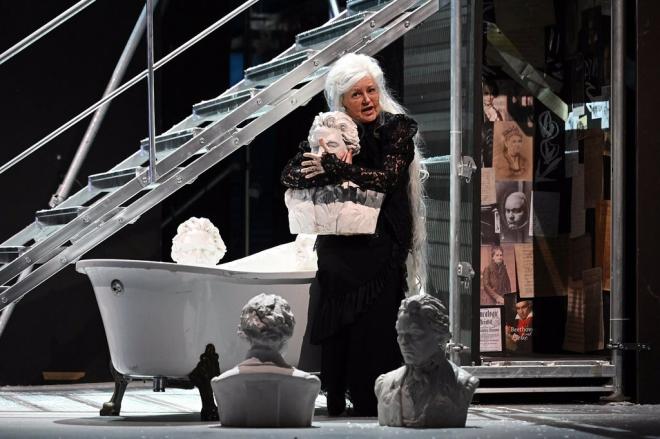 """Hình ảnh trong vở opera """"Minona"""" của Juri Reinvere"""