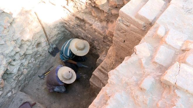 Dấu ấn công trình tháp Chăm bằng gạch được các nhà khảo cổ học phát hiện. Ảnh: Xuân Triệu - TTXVN