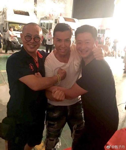 Vào thời điểm tháng 9, Chân Tử Đan đã chia sẻ tấm hình chụp chung với Lý Liên Kiệt và Ngô Kinh Ảnh: weibo