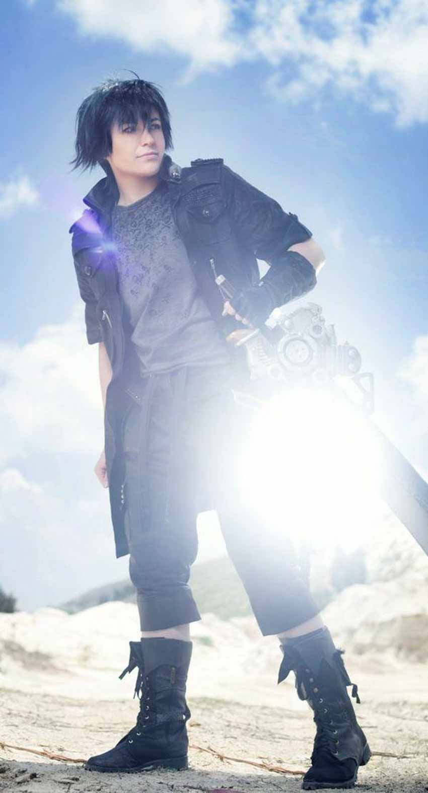 MaouKami Cosplay trong vai nhân vật Noctis Lucis Caelum trong game Final Fantasy XV