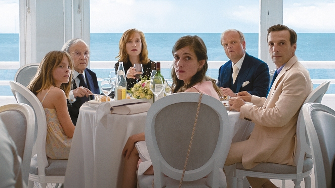 """""""Happy End"""" tập trung vào cuộc sống của một gia đình tư sản ở Pháp"""