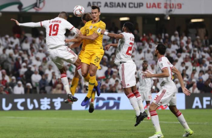 UAE mua hết vé không cho cổ động viên Qatar xem bán kết Asian Cup 2019.