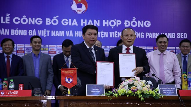 vingroup trả lương cho park hang seo