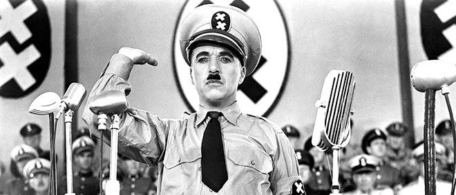 """Vua hề Charlie Chaplin trong phim """"Kẻ độc tài"""""""