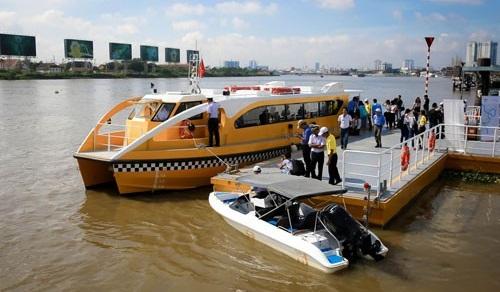 Du lịch đường sông TP HCM cần nhạc trưởng