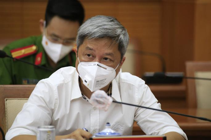 Thứ trưởng Bộ Y tế Nguyễn Trường Sơn cho biết sẽ tiếp tục ưu tiên phân bổ vắc-xin cho TP HCM