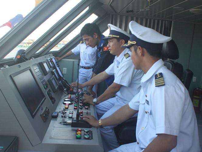 tàu c8