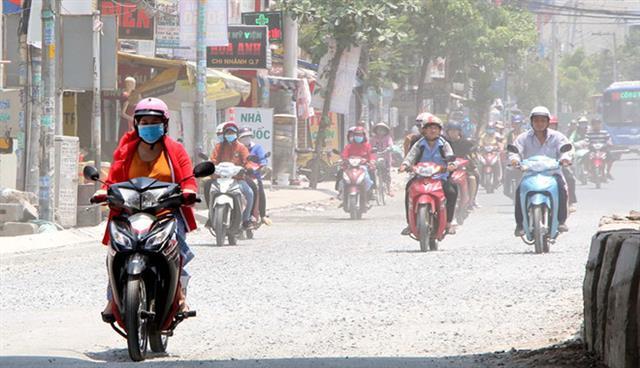 Ùn tắc, sự bùng nổ của giao thông cá nhân đang kéo theo ô nhiễm không khí nghiêm trọng tại TP.HCM Khả Hòa