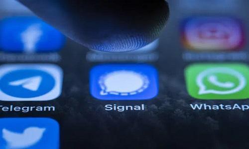 WhatsApp thê thảm vì ép người dùng chia sẻ dữ liệu cho Facebook