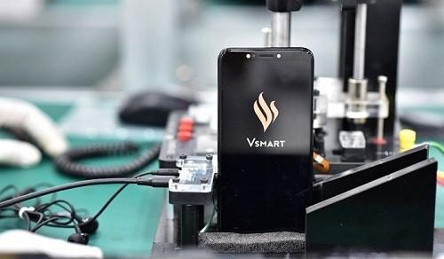 Fitch Solutions: VinSmart có thể theo đuổi chiến lược ′nhiều tính năng với mức giá thấp′